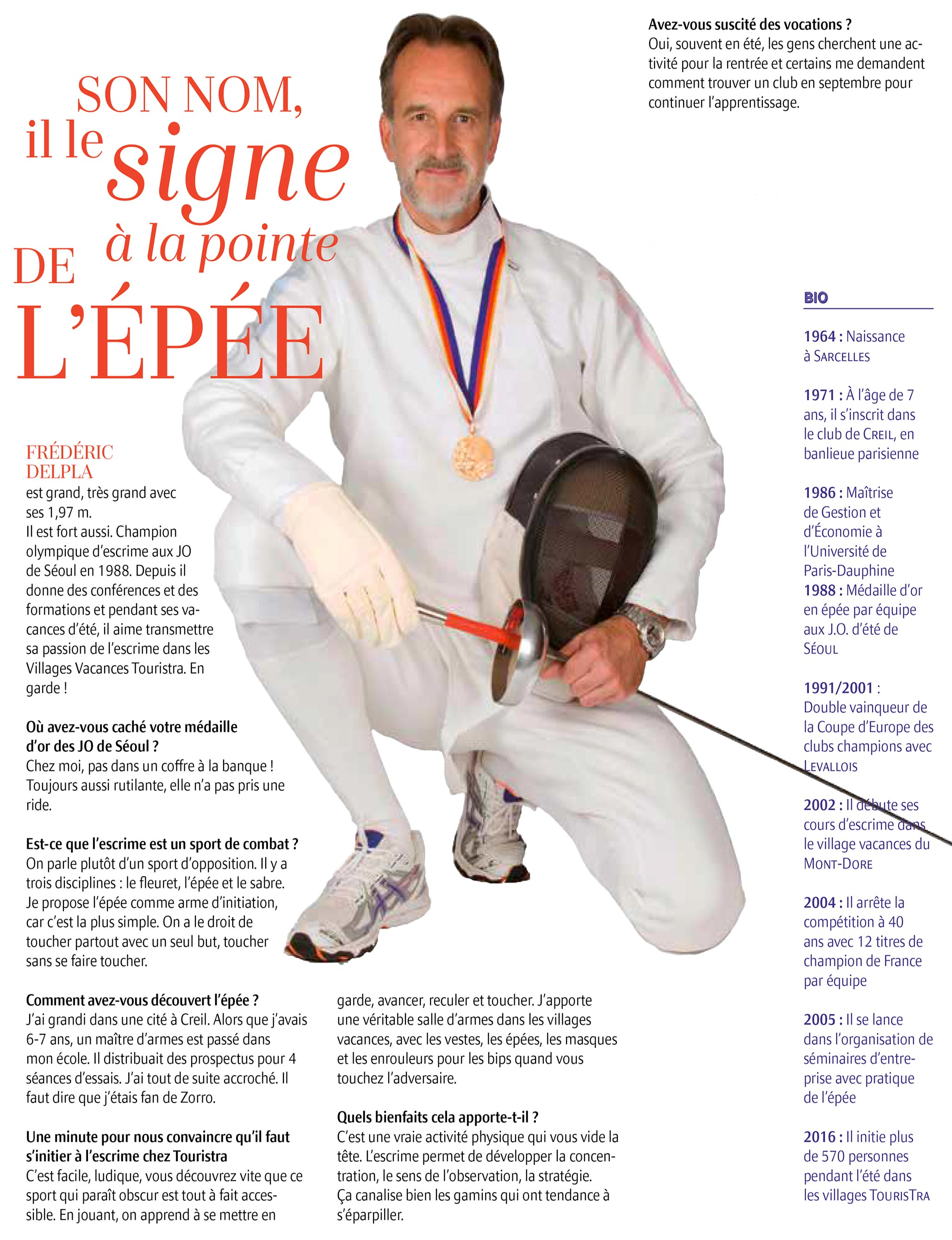 Initiation-a-l-Escrime-en-village-de-vacances-avec-Frederic-DELPLA-Champion-Olympique-a-l-epee